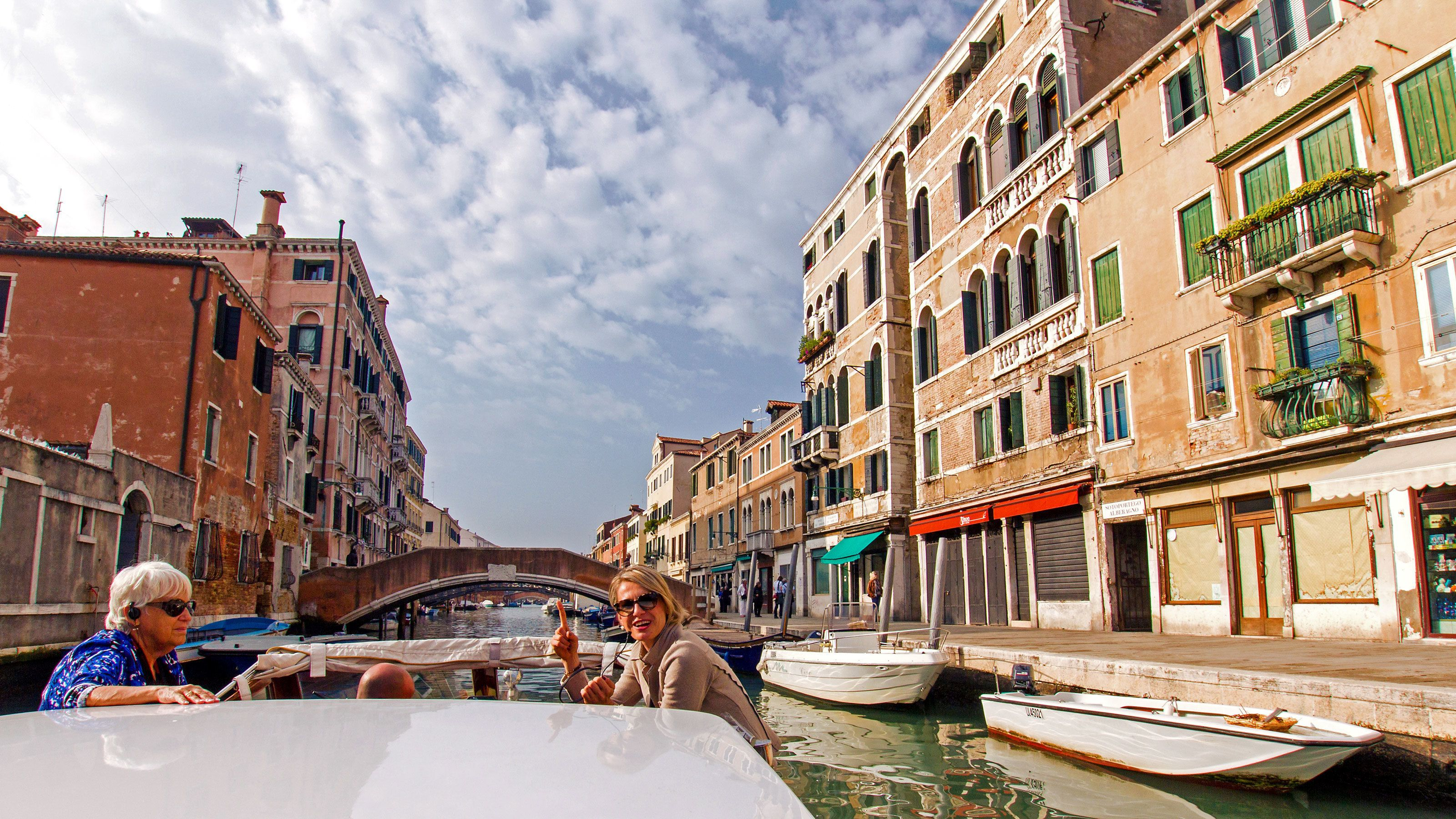 Luxury Small-Group Boat Tour & Tower Climb