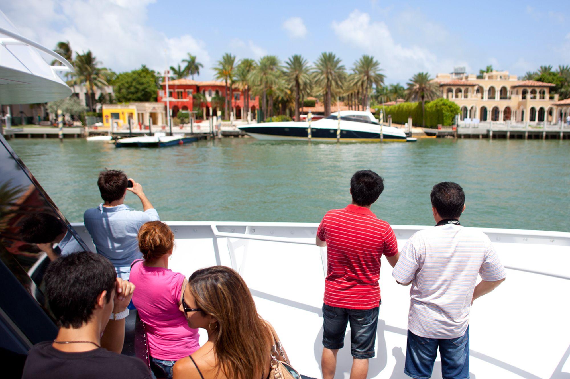 4-boat-tour-miamitourcompany.jpg