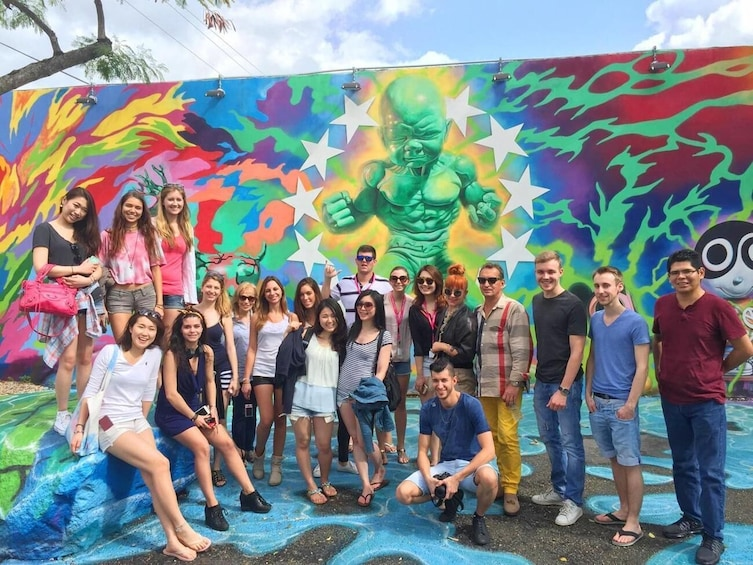 Charger l'élément 3 sur 8. Miami To The Max! & Everglades Tour in a Luxury Bus (Combo)