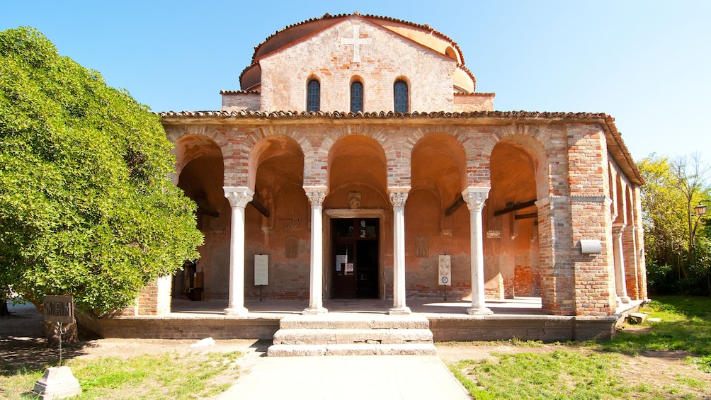 Venetian Islands Half-Day Boat Tour: Murano, Burano & Torcello