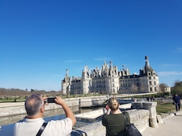 Full-Day tour to Chambord,Chenonceau & Villesavin from Tours