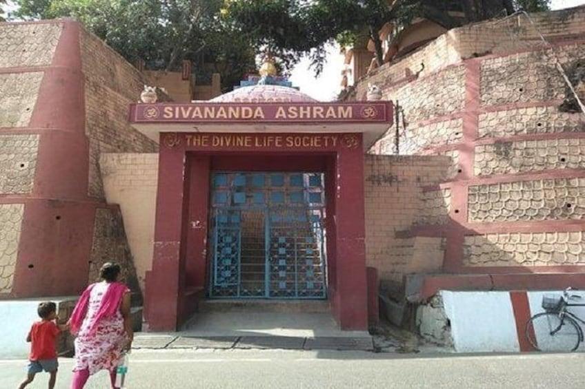Half Day Ashram Tour in Rishikesh