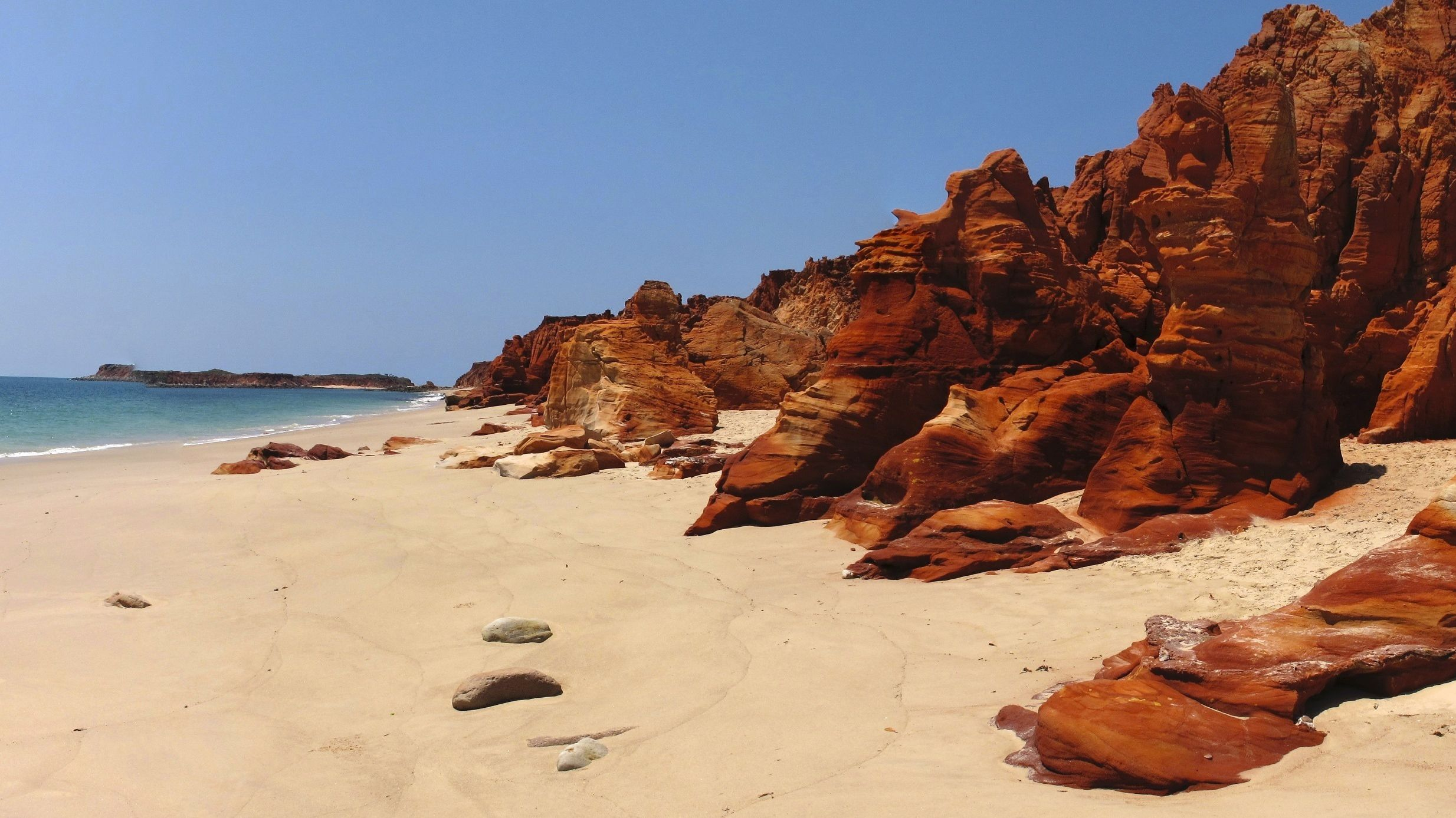 Cape Leveque 4x4 Full-Day Tour from Broome