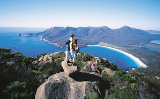 Full-Day Wineglass Bay & Freycinet National Park Tour