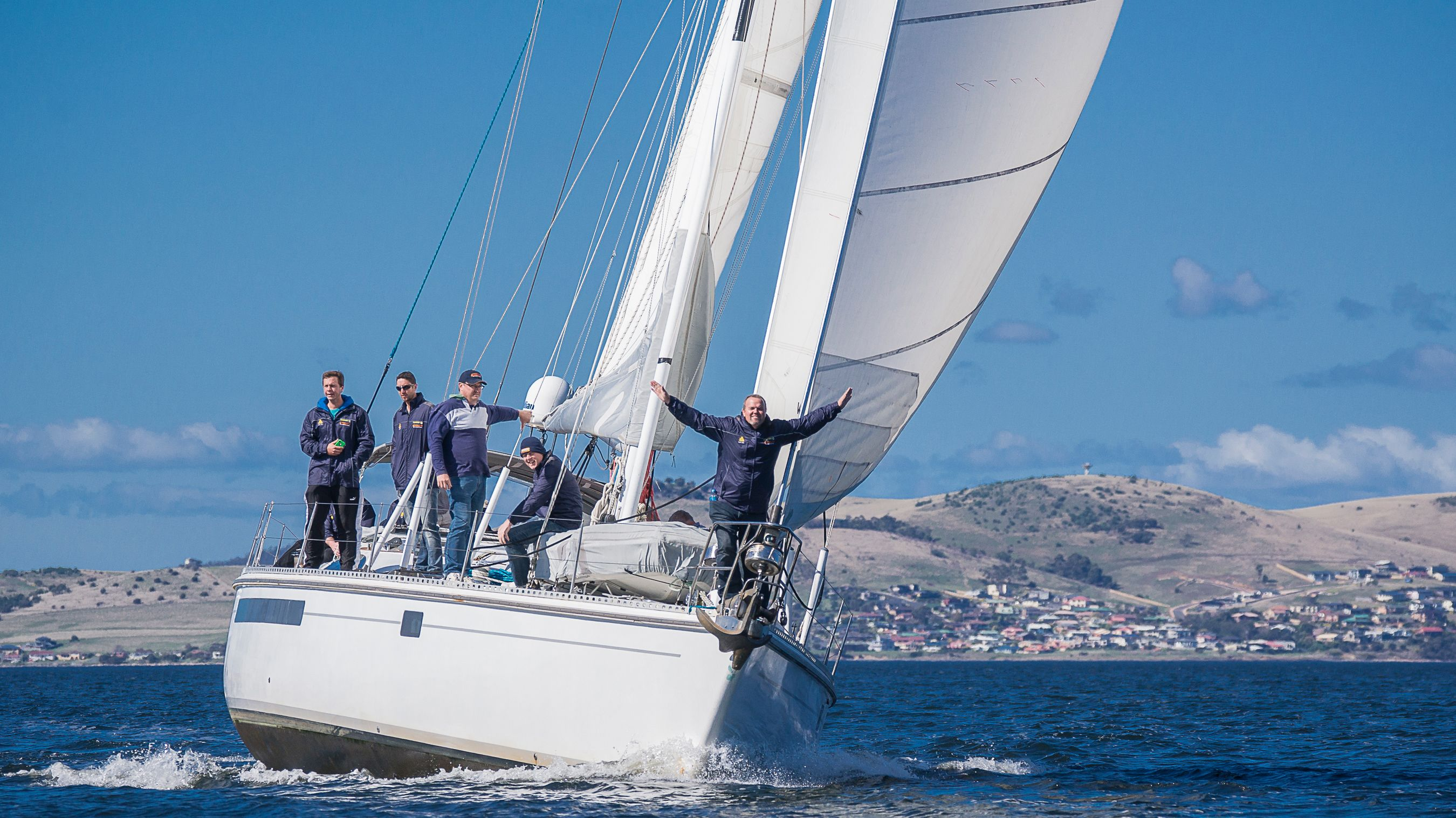 Derwent River Yacht Sailing Cruise