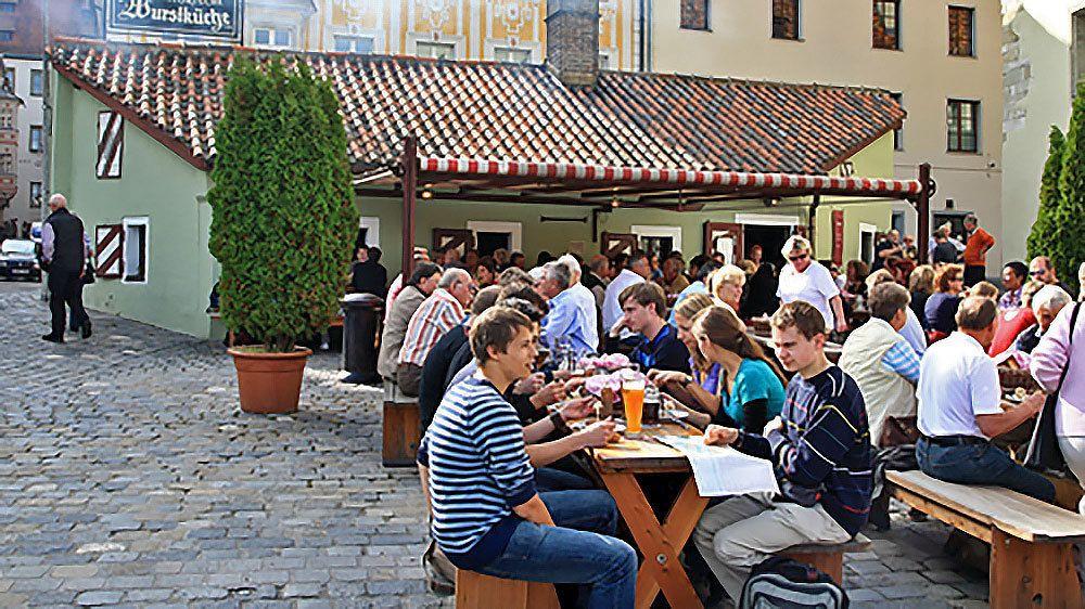 Regensburg outdoor lunch in Munich