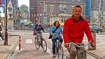 Amsterdam Bike Rental with a Cup of Coffee
