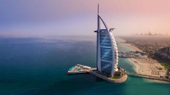 Dubai Full-Day Tour including Lunch and Burj Khalifa Visit