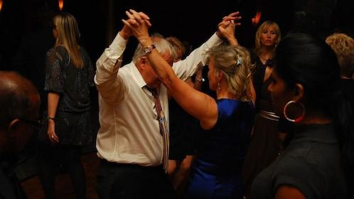 Dancing couple in New York