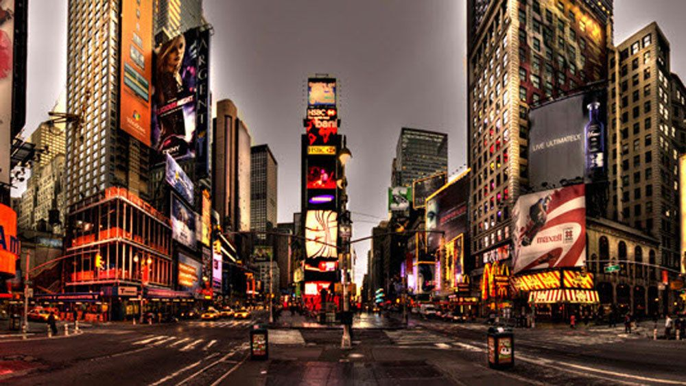 Big Apple in Lights: Evening NYC Bus Tour
