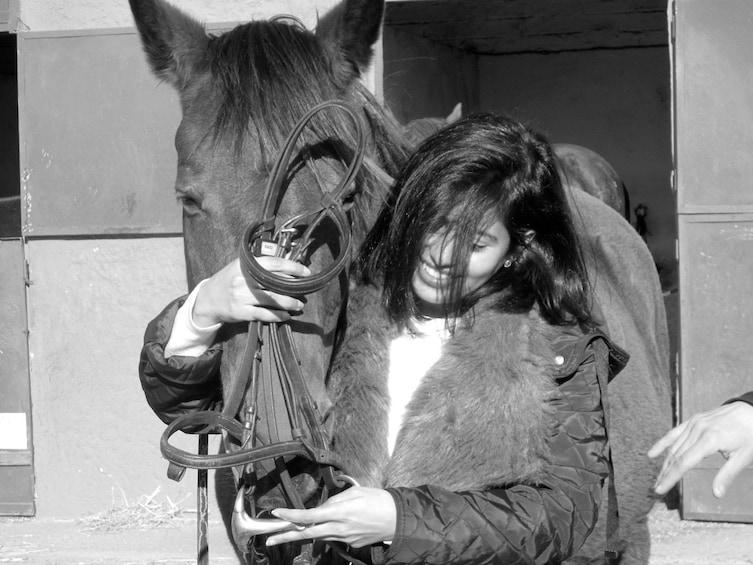 Foto 2 von 10 laden Horseback Riding Experience in Collserola Park-Horse tour