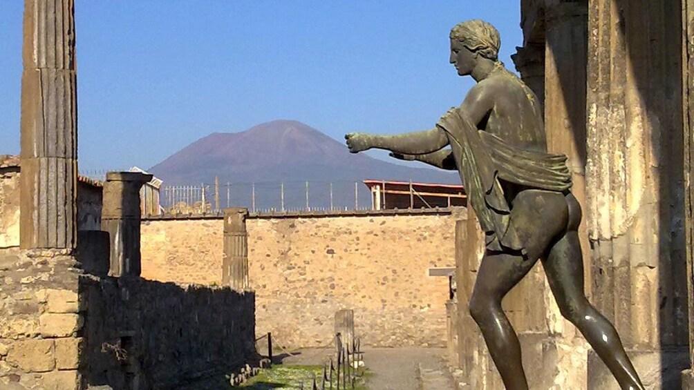 Ancient Roman statue in Pompeii