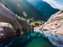 Valle Verzasca: Ascona 007 Dam & Crystal Waters Swimming