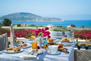 Greek Cooking class & lunch in a Retreat in Messinia!