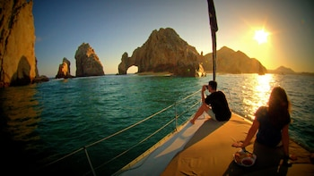 Sunset Sailing Yacht Cruise with Open Bar