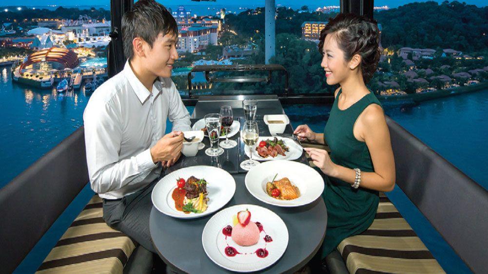 Seilbahn-Dinner über den Dächern der Stadt