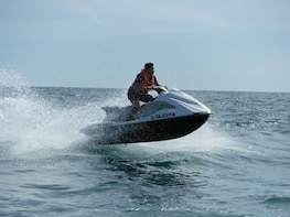 GUIDED JET-SKI TOUR IN CAMBRILS