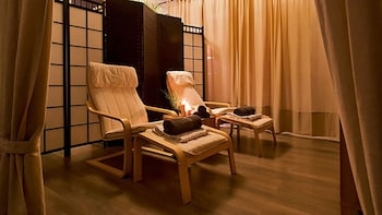40-Minute Feet Massage