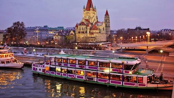Evening Boat Cruise With Viennese Songs Vienna Expedia