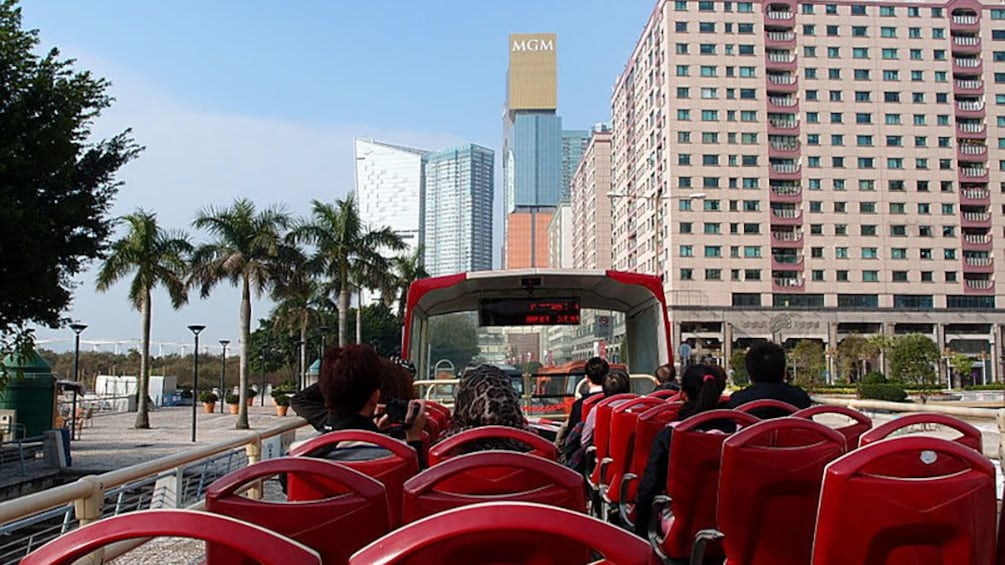 Tampilkan item 3 dari 5. open air vantage view point of double decker tour bus