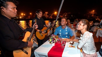 Romantic Aristocat Evening Cruise with 5-Course Dinner