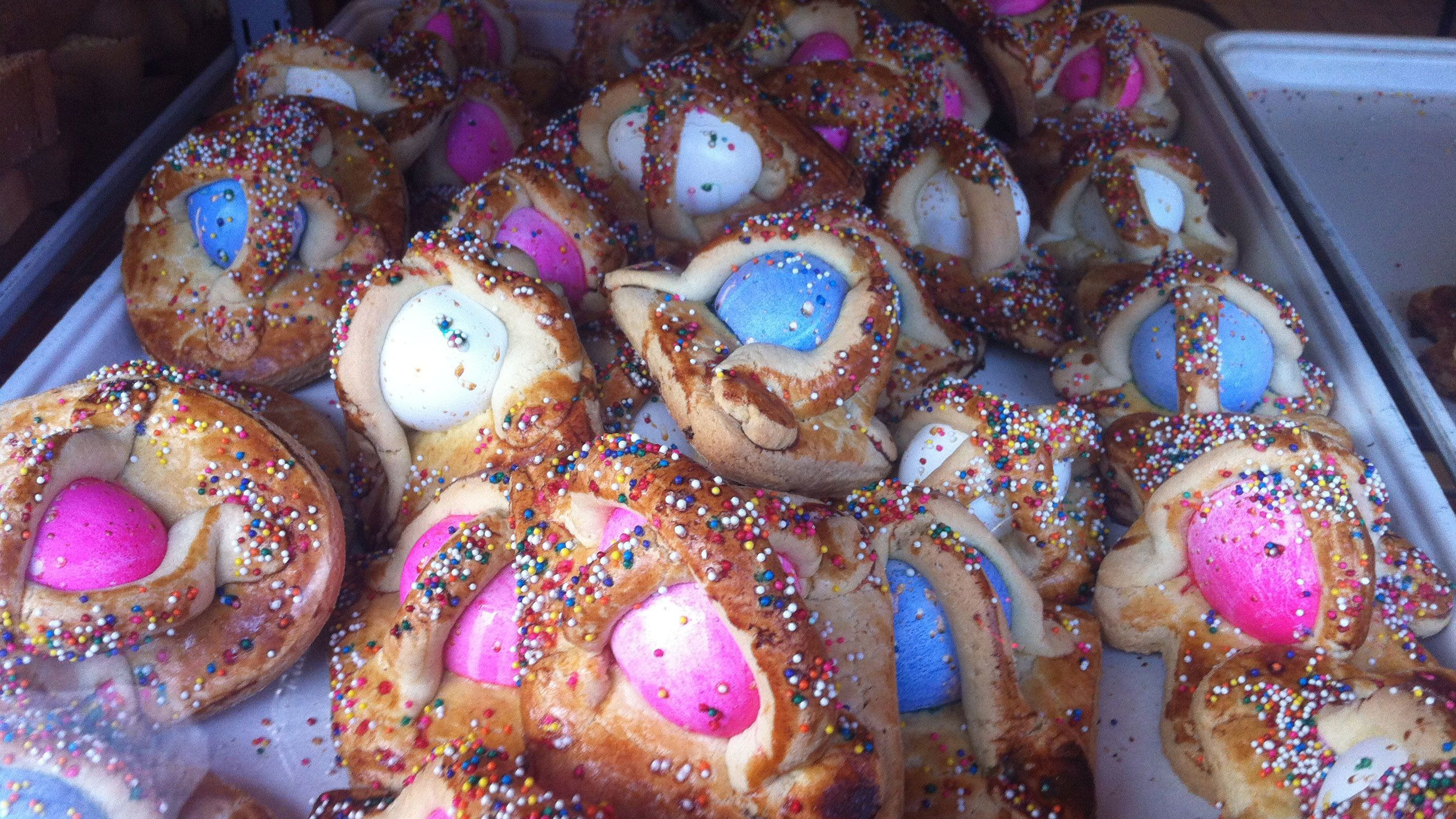 Italian Easter bread with dyed eggs