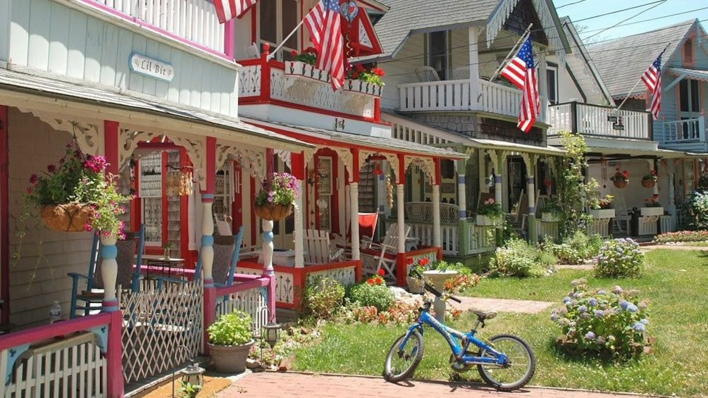 Show item 4 of 8. Houses on tour in Martha's Vineyard