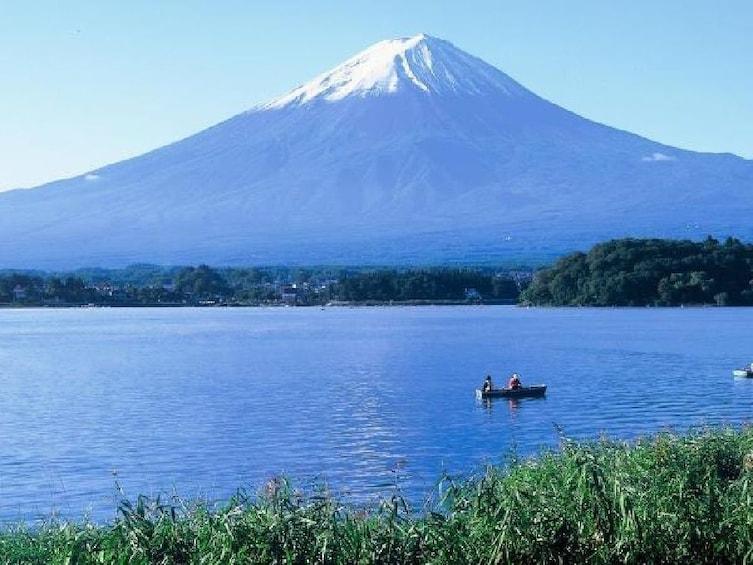 Mount Fuji, Lake Ashi & Hakone National Park by Bullet Train