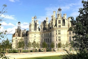 Day at the Chenonceau and Chambord castles from Blois From 1 to 4 Pers