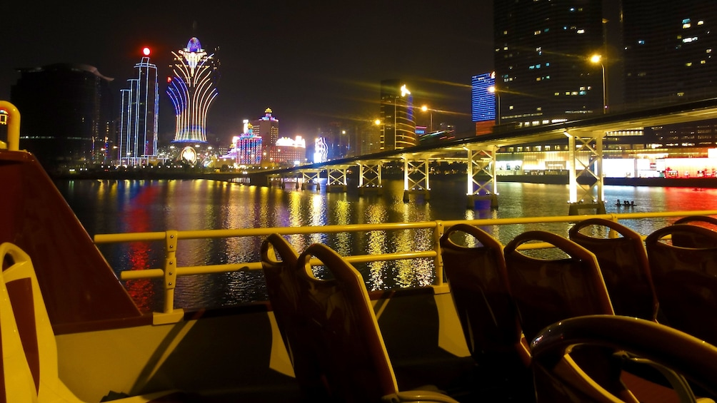 Tampilkan item 1 dari 5. Lights of downtown Macau at night.