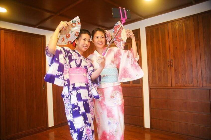 "Japanese traditional costume ""Yukata"" photography course ""Hairset & Point Makeup & Dressing & Photography"""