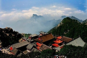 Mount Tai Private Tour from Qingdao by Bullet Train with Lunch and Cable Ca...