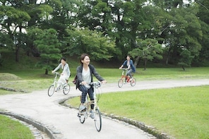 Take a bicycle and play around the city! Water City Matsue Cycling Guided T...