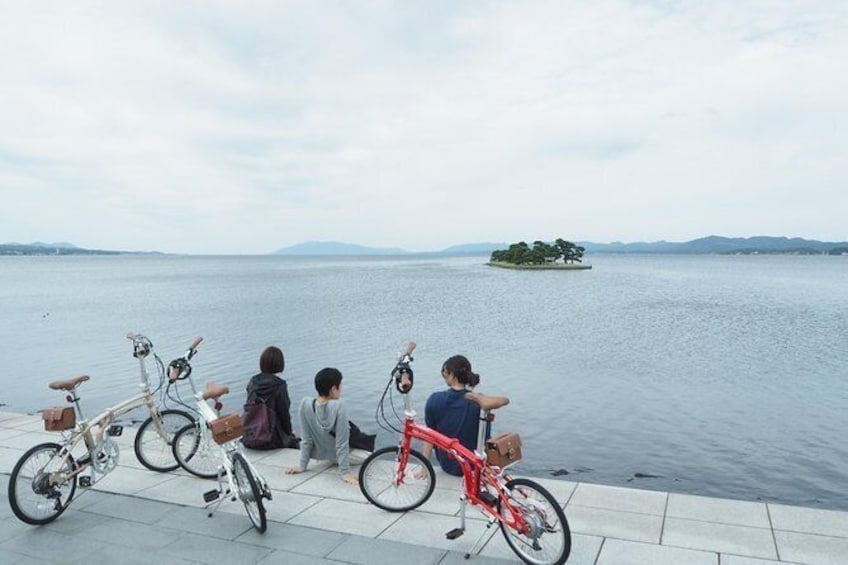 Show item 2 of 17. Take a bicycle and play around the city! Water City Matsue Cycling Guided Tour