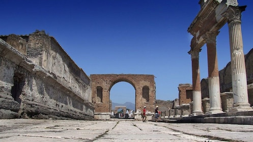Ancient roadway and archway in Pompeii