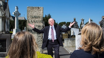 Passeio histórico geral guiado no maior Cemitério da Irlanda