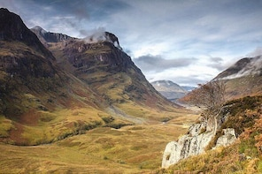 Classic Tour, our popular 1-Day tour of The Highlands of Scotland from Edin...