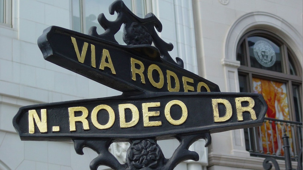 Show item 2 of 10. Rodeo Dr. sign