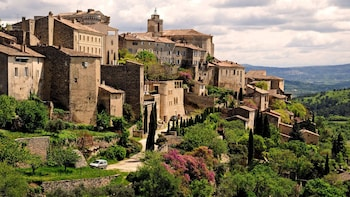 Hilltop villages of Luberon in a half day tour