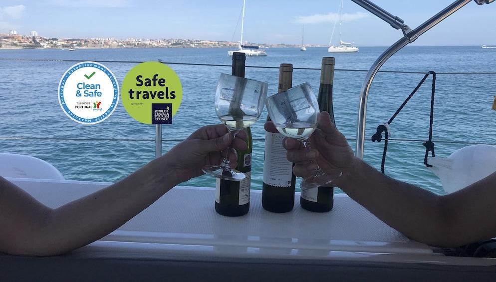 Foto 1 van 7. Wine Tasting & Sailing on the Tagus River