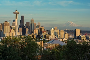 Seattle City Highlights, Space Needle & Pike Place Market