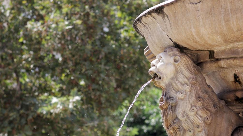 Foto 3 von 5 laden Fountain in Heraklion