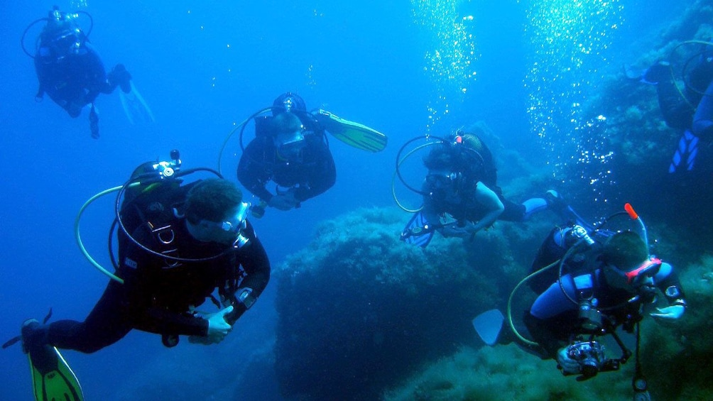 Foto 1 von 5 laden Scuba divers in Keraklion