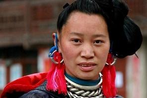 GUIZHOU-GUANGXI TRIP: Ethnic groups of Qiandongnan, Guilin and Li river 9 d...