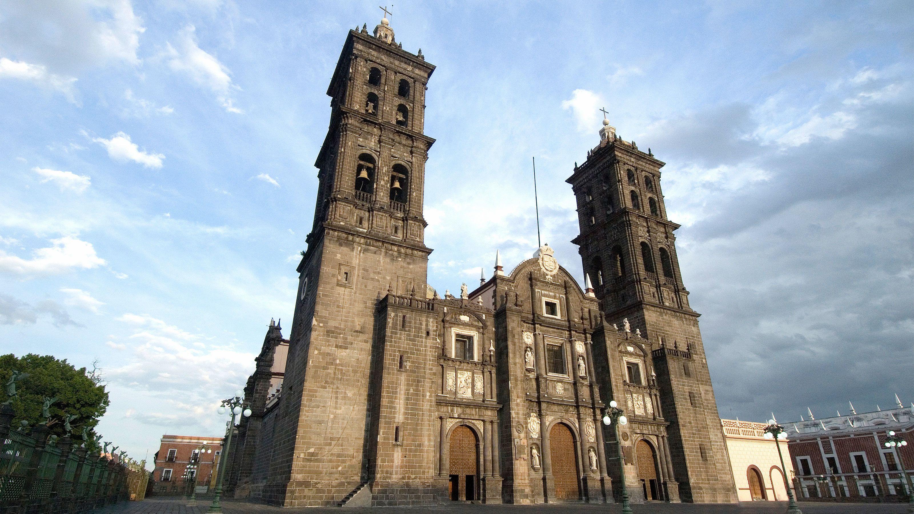 City building in Puebla