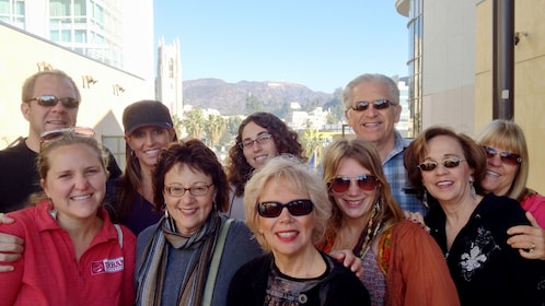Group on getaway tour in Los Angeles