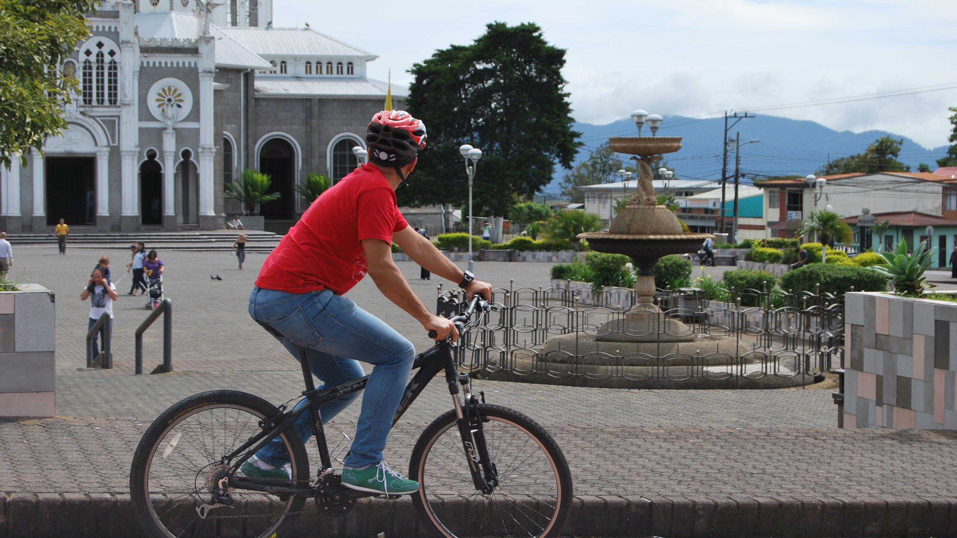 From San Jose: Small-Group Cartago Bike & Train Tour