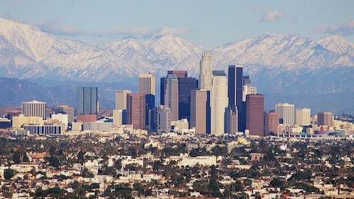 city and mountain view of Los Angeles