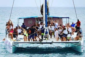 Sunset aboard of a Catamaran with Dj, Music, Animation. With all inclusive
