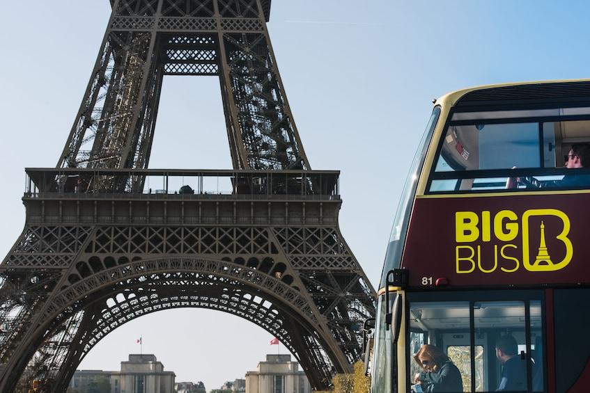 Cargar ítem 5 de 15. Paris Hop-On Hop-Off Bus Tour